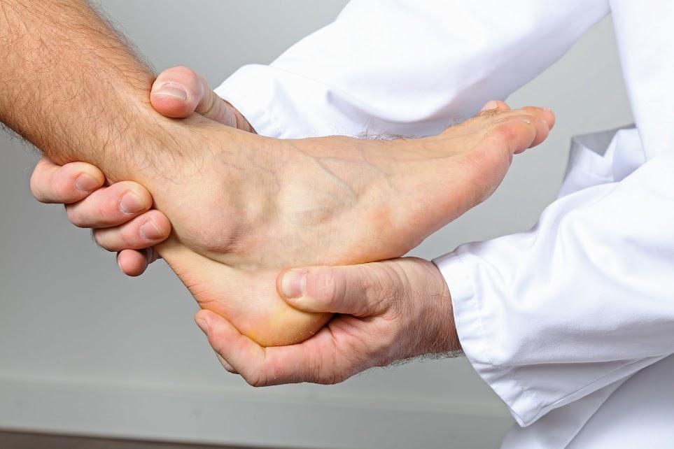 الفحص الطبي للكاحل