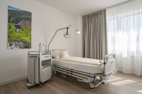 Single-occupancy room at the orthopaedic clinic in Gundelfingen, Germany