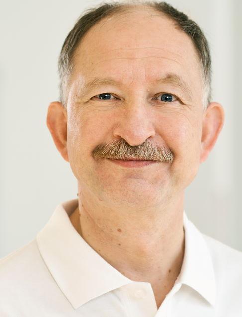 PD Dr. med. habil Pawel Bak, spécialiste en médecine physique et de réadaptation